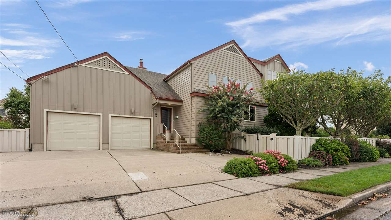 4169 Dune Drive  - Picture 1