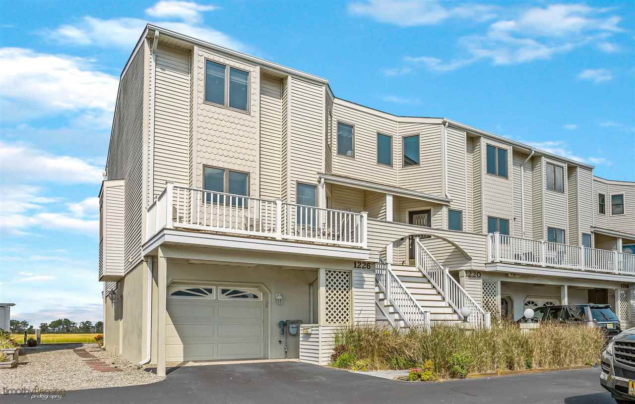 1226 Ocean Drive - Picture 1