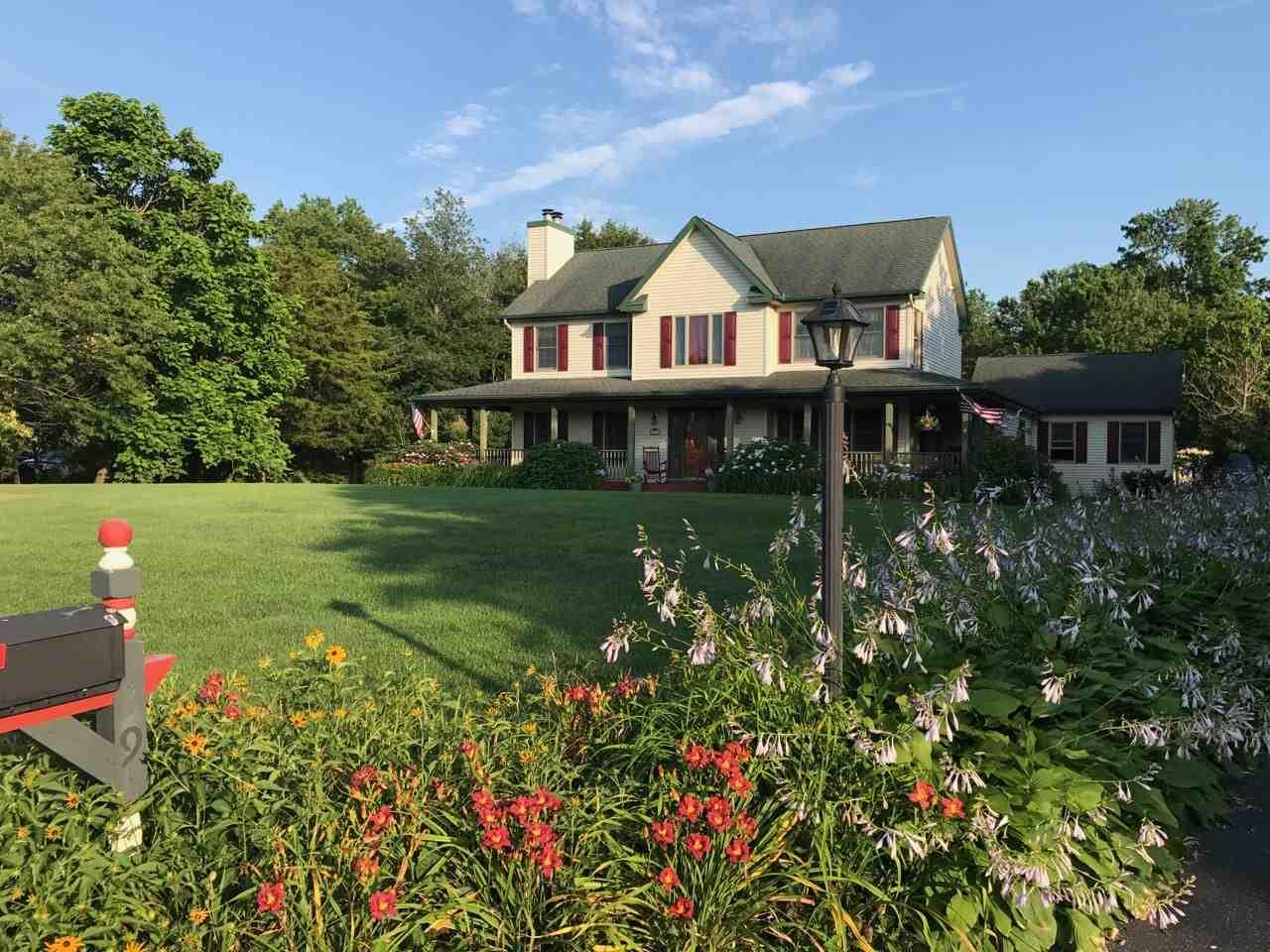 29 Cedar Meadow Drive - Picture 2