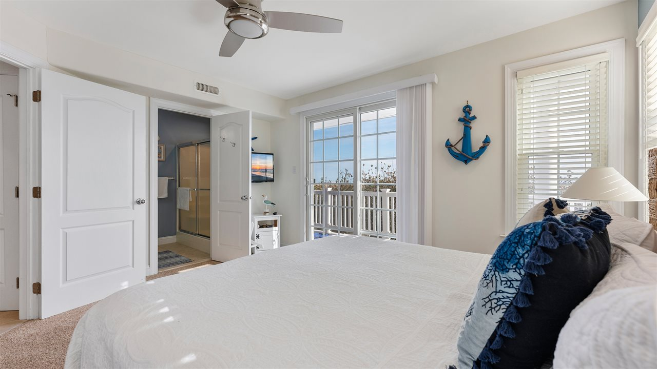 5208 Marine Place
