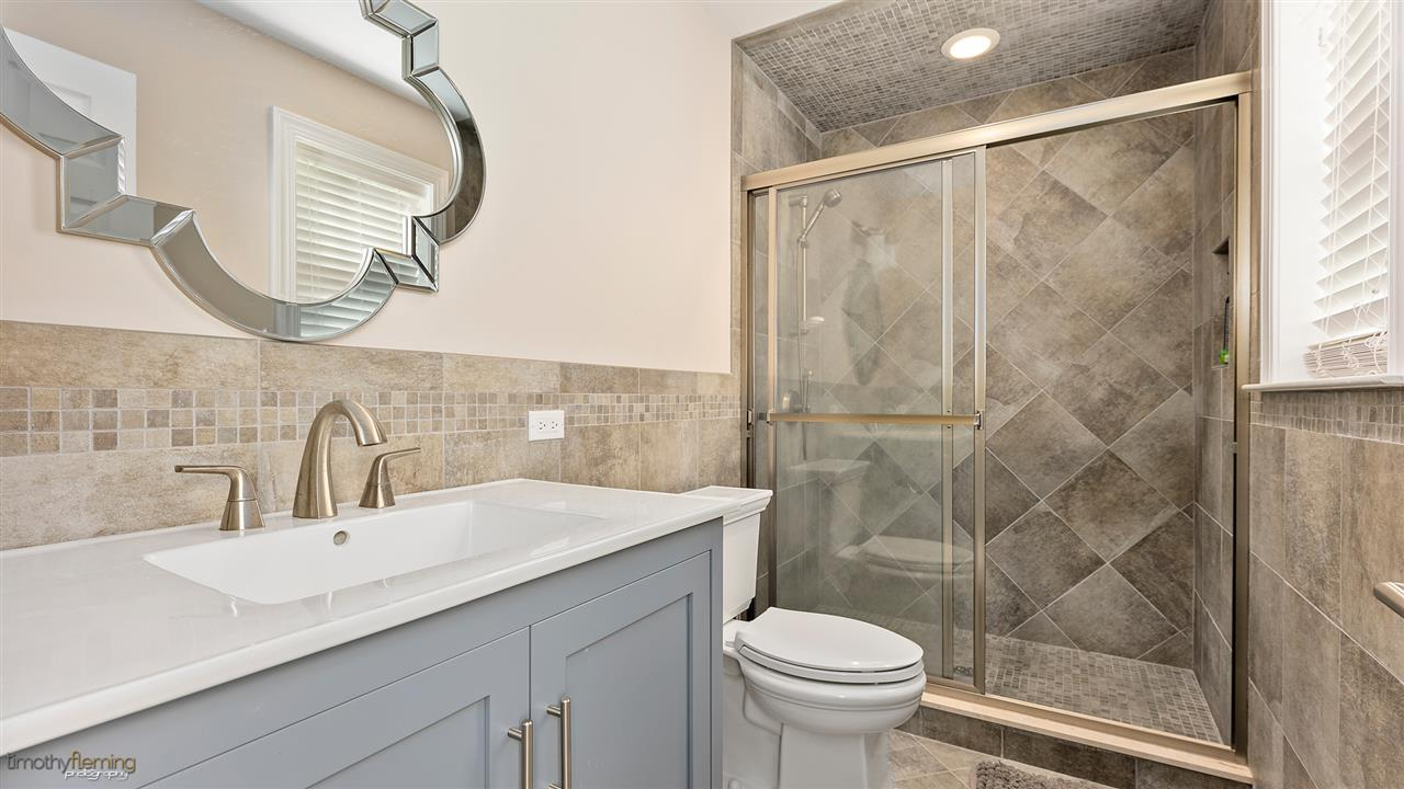 7429 Sunset Drive - Picture 4