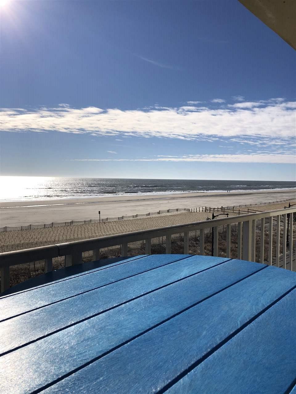 4100 Boardwalk