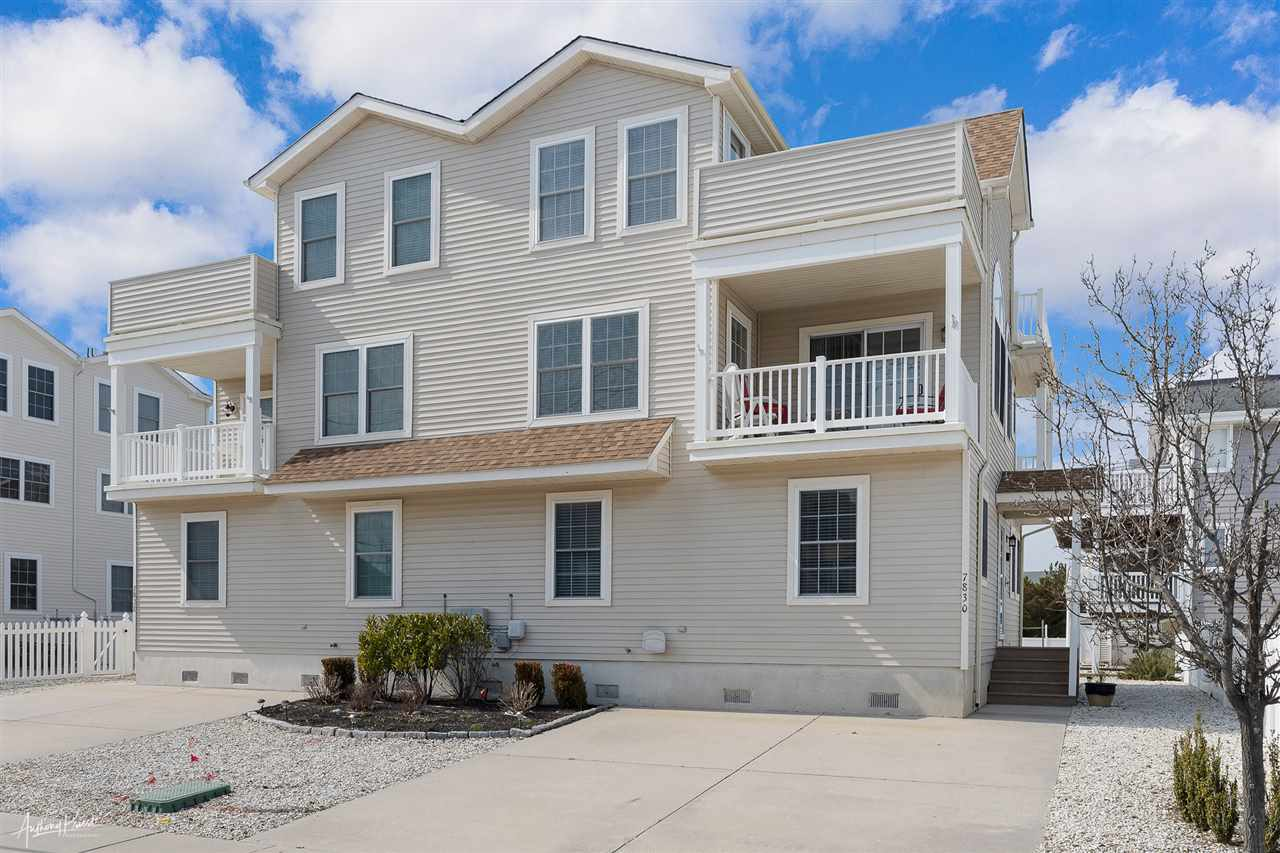 7830 Ocean Drive - Picture 1