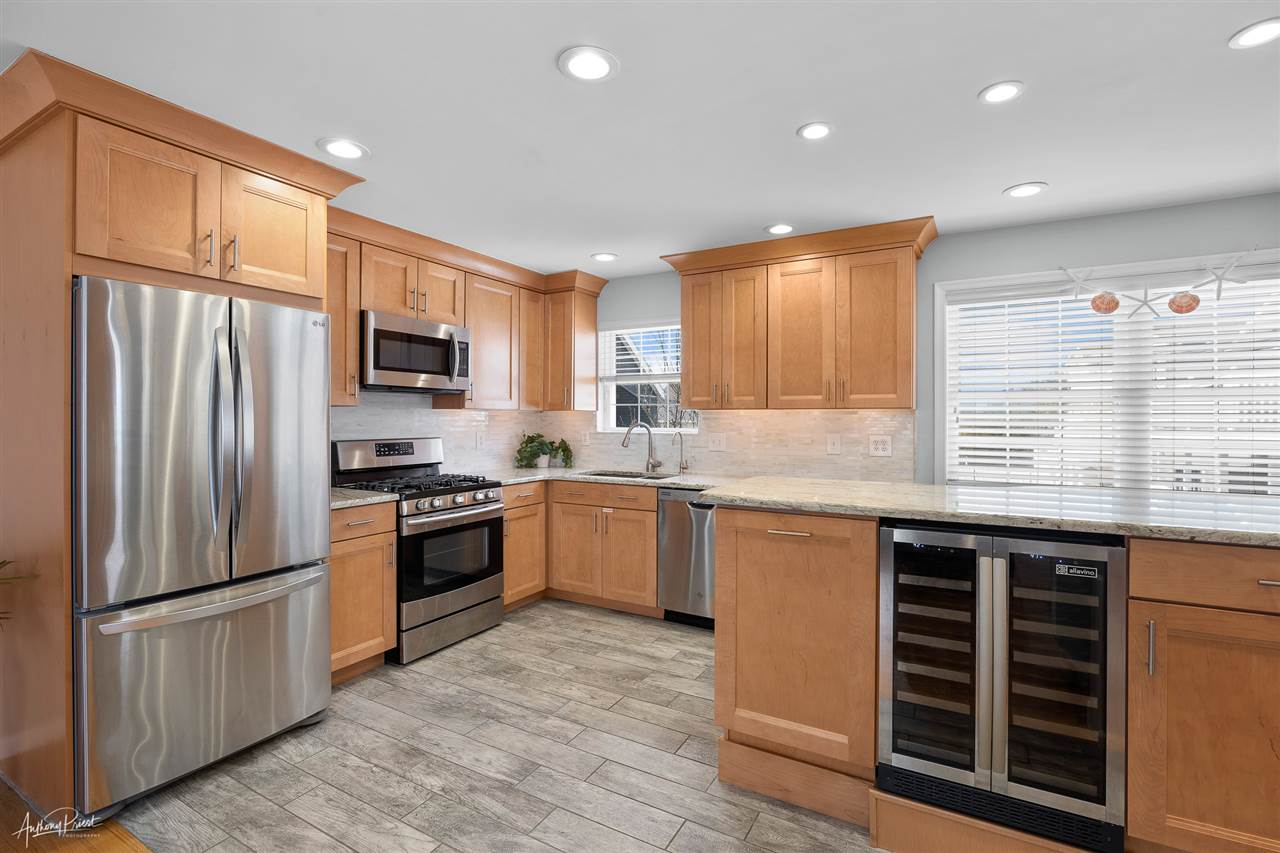 7830 Ocean Drive - Picture 4