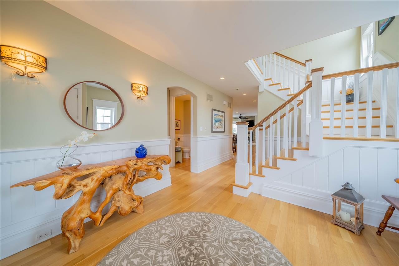 3955 Dune Drive - Picture 4
