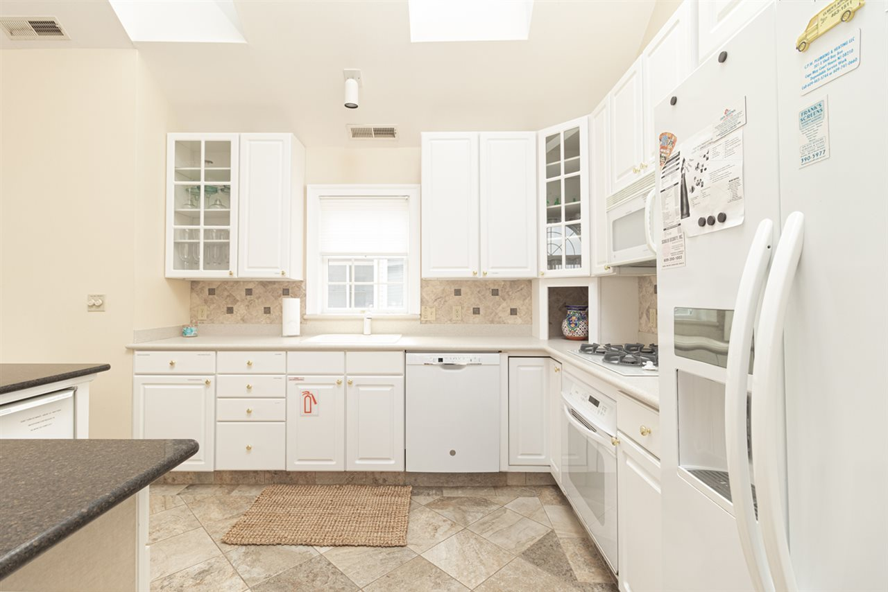 10 E 23rd Street - Picture 11