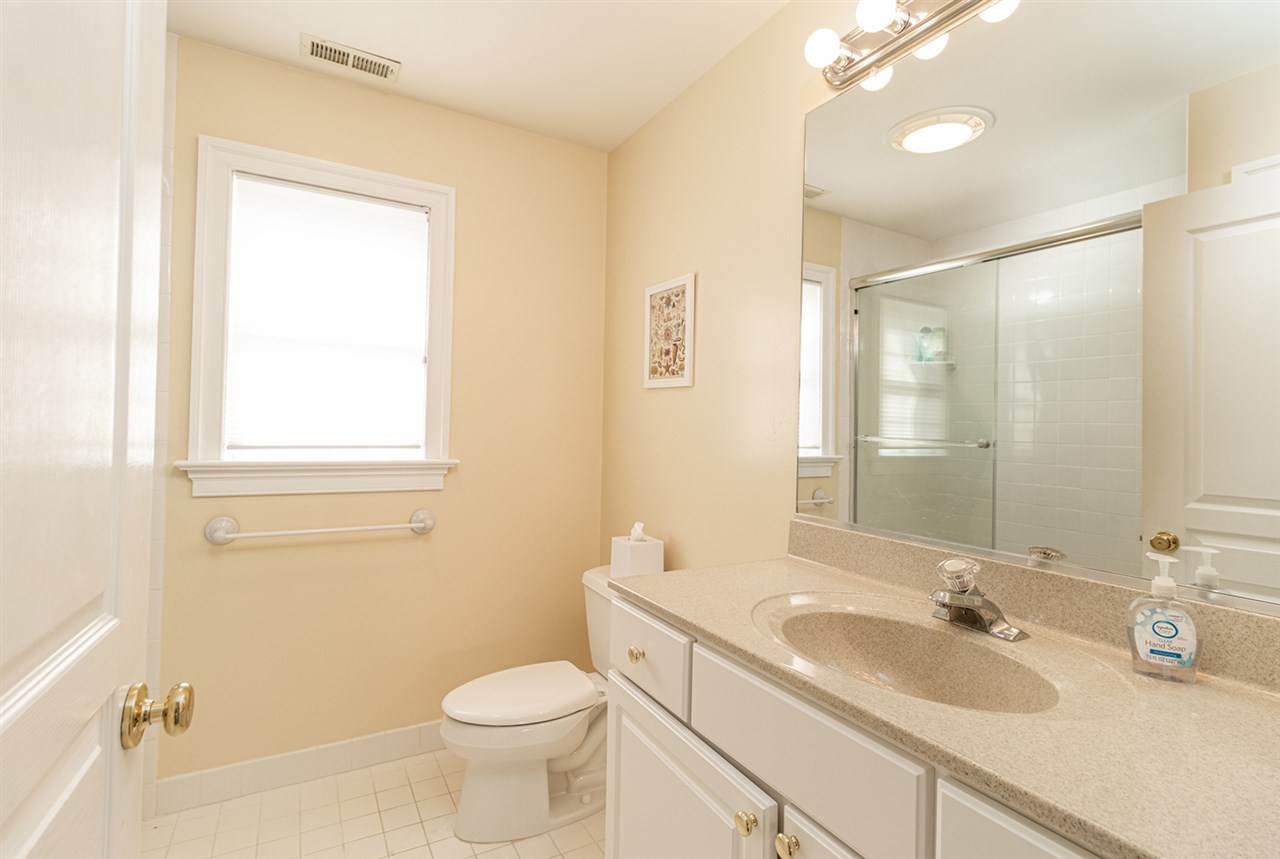 10 E 23rd Street - Picture 16
