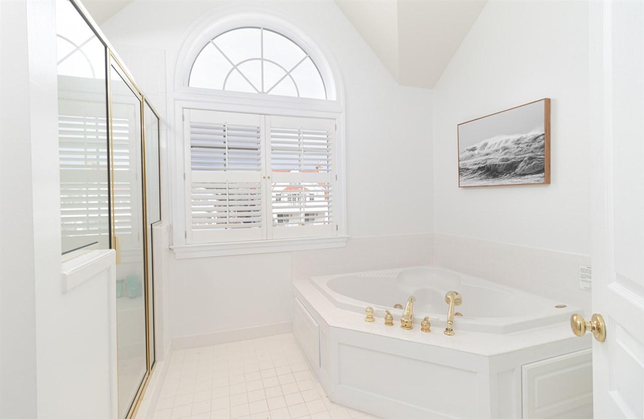 10 E 23rd Street - Picture 18