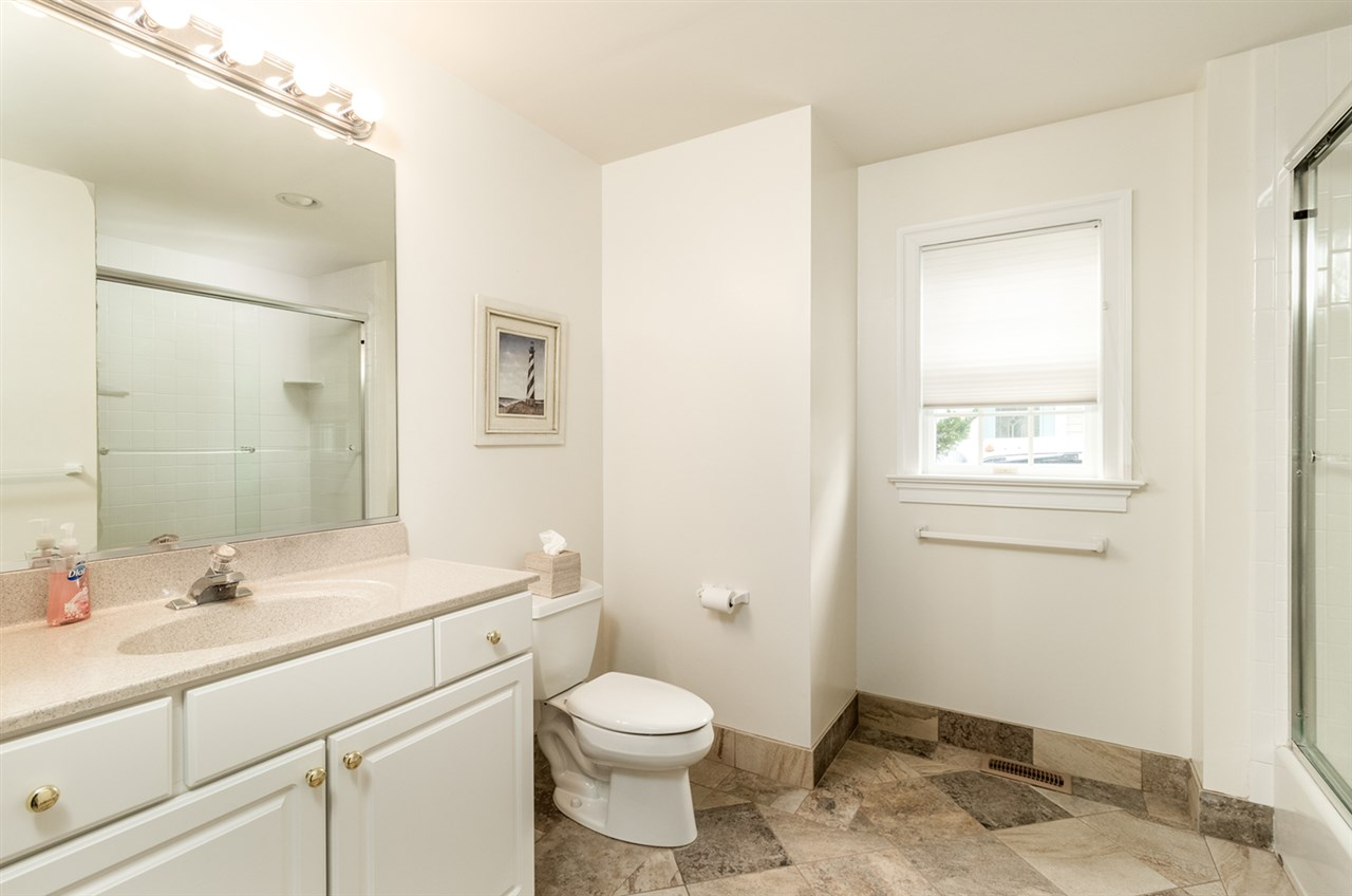 10 E 23rd Street - Picture 7