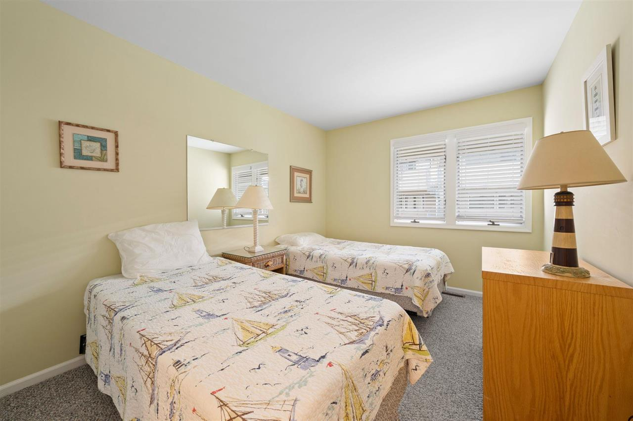 300 79th Street - Picture 12