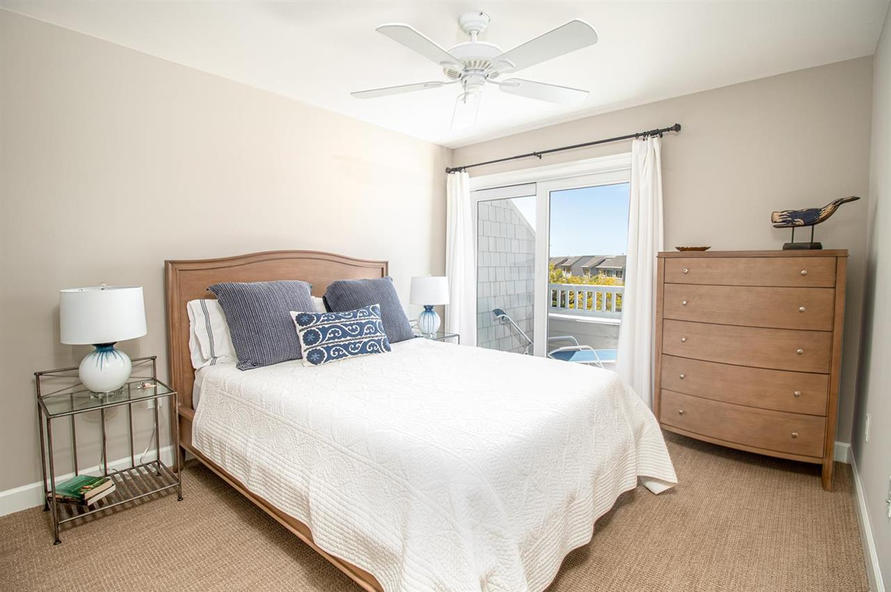 700 Ocean Drive - Picture 18