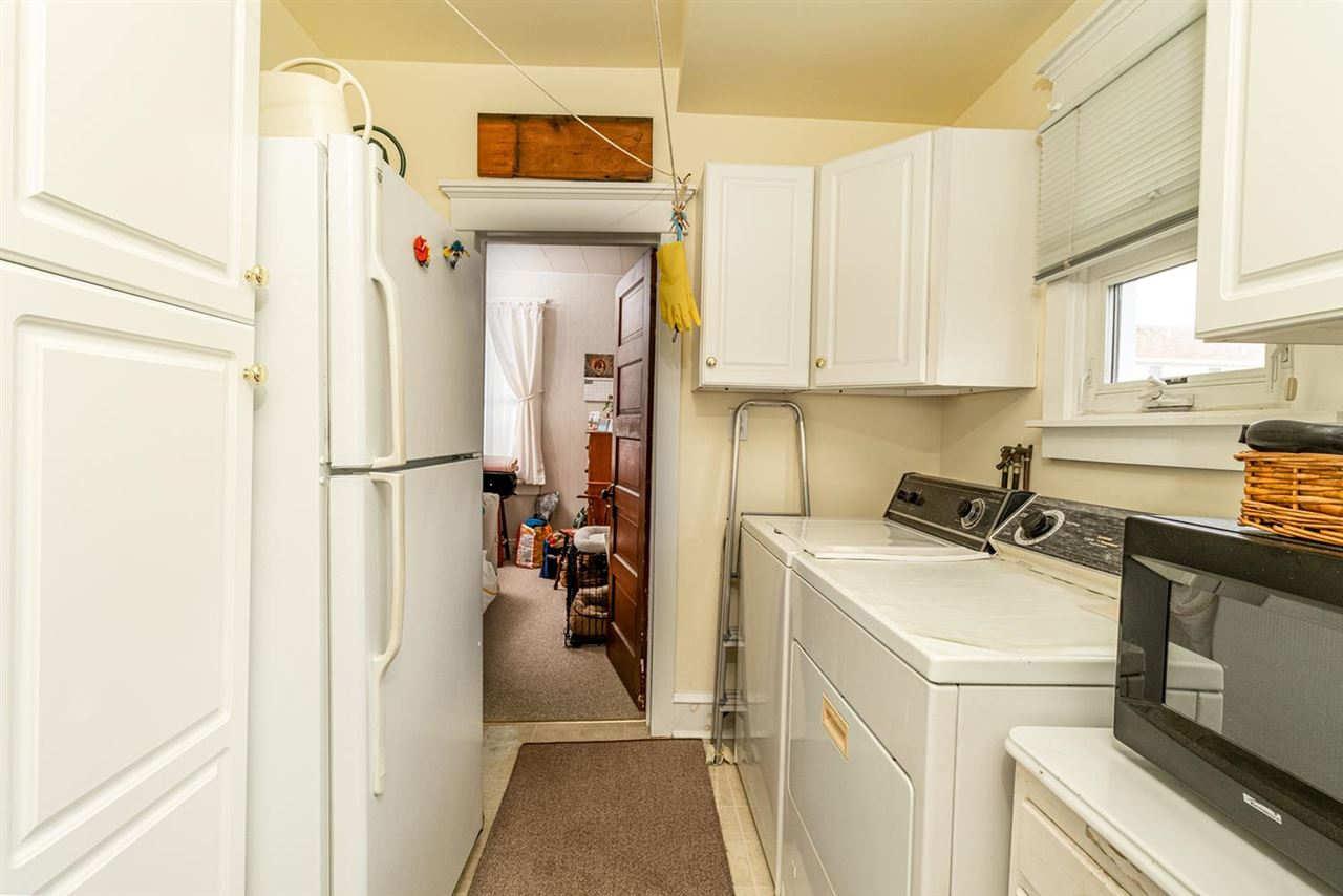227 107th Street - Picture 14