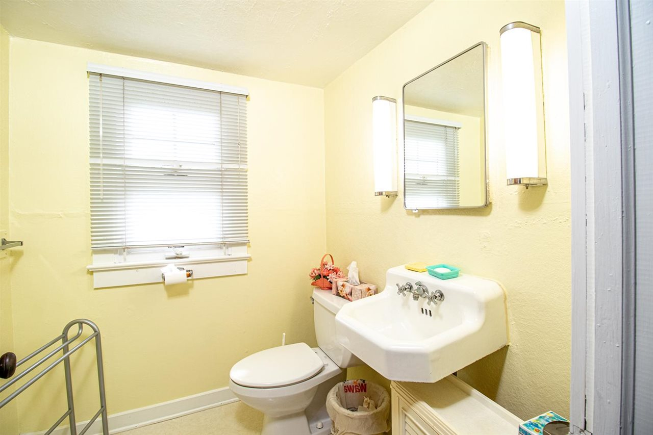 227 107th Street - Picture 21
