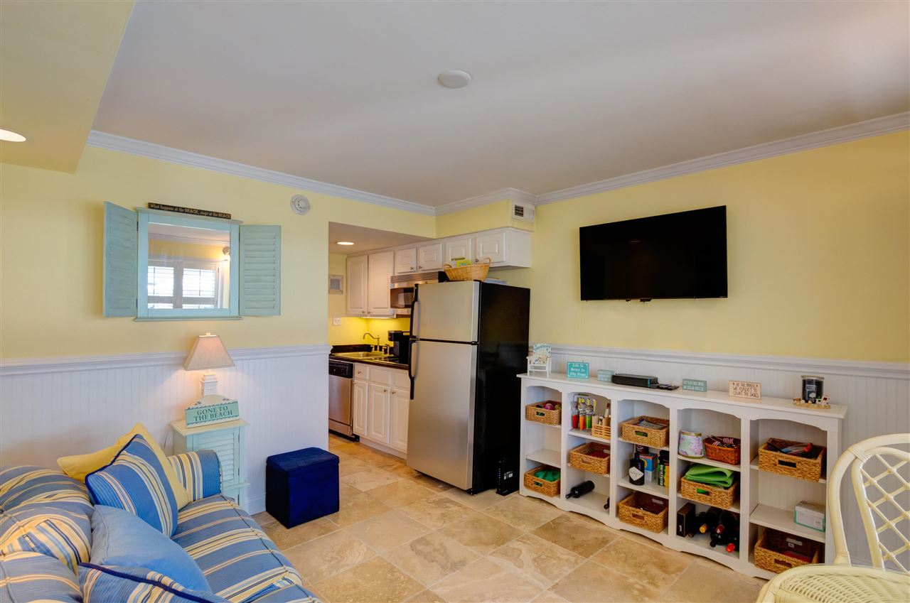 7929 Dune Drive - Picture 3