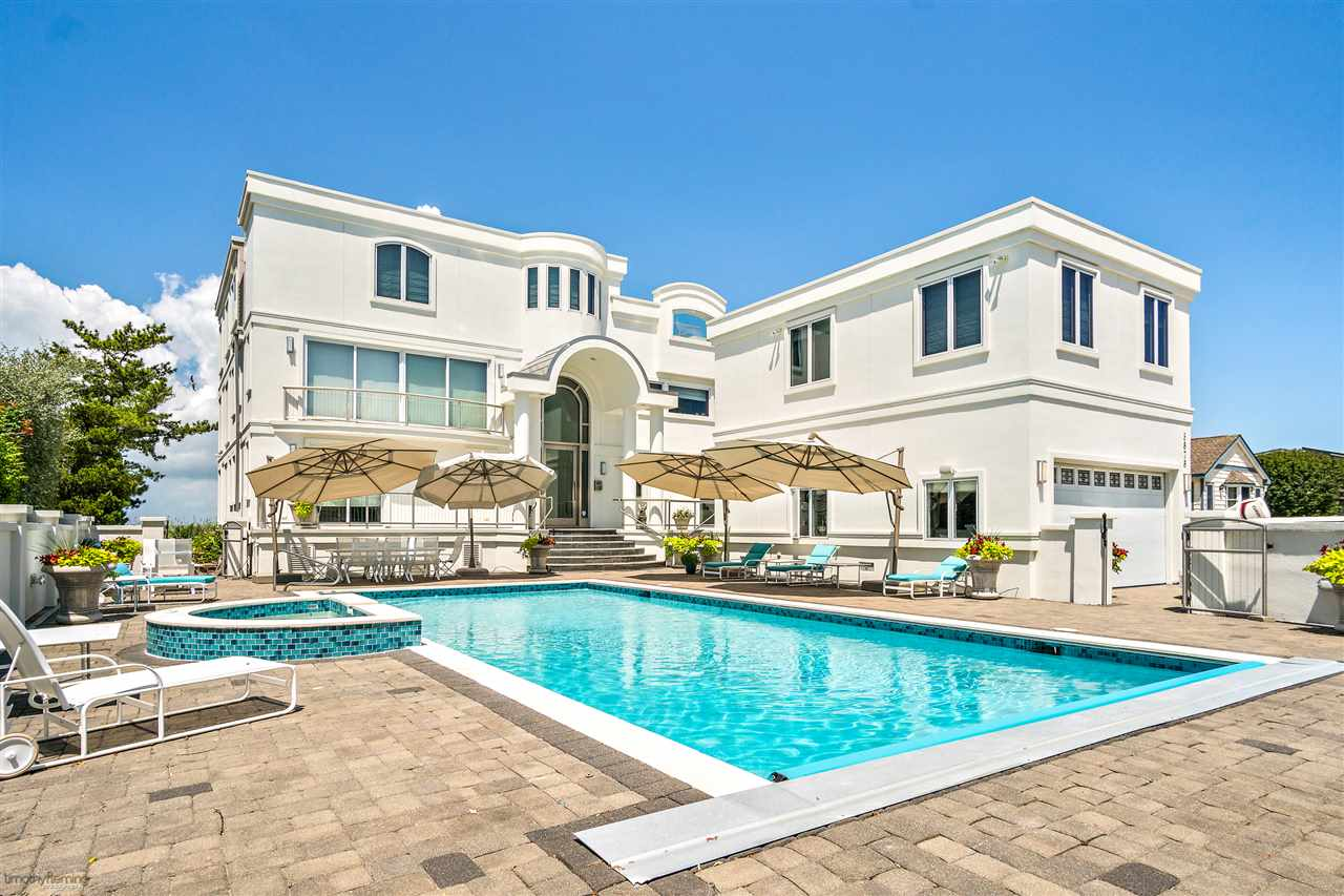 5878 Ocean Drive - Picture 1