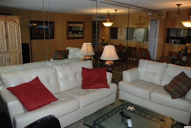 3 bedroom  South Hampton condo for sale