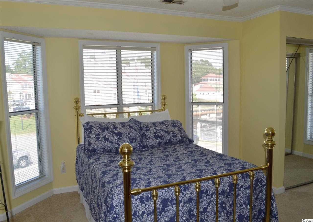 2 bedroom condo at 4396 Baldwin Ave