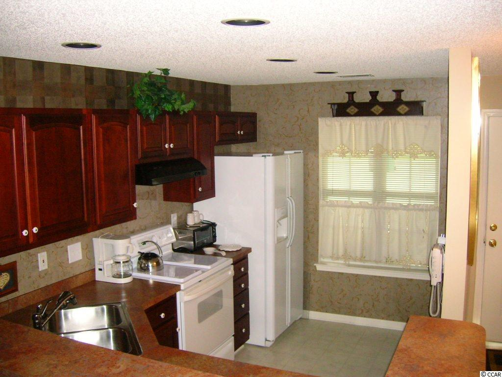 Contact your Realtor for this 2 bedroom condo for sale at  WYNBROOKE TWNHM - Townhomes
