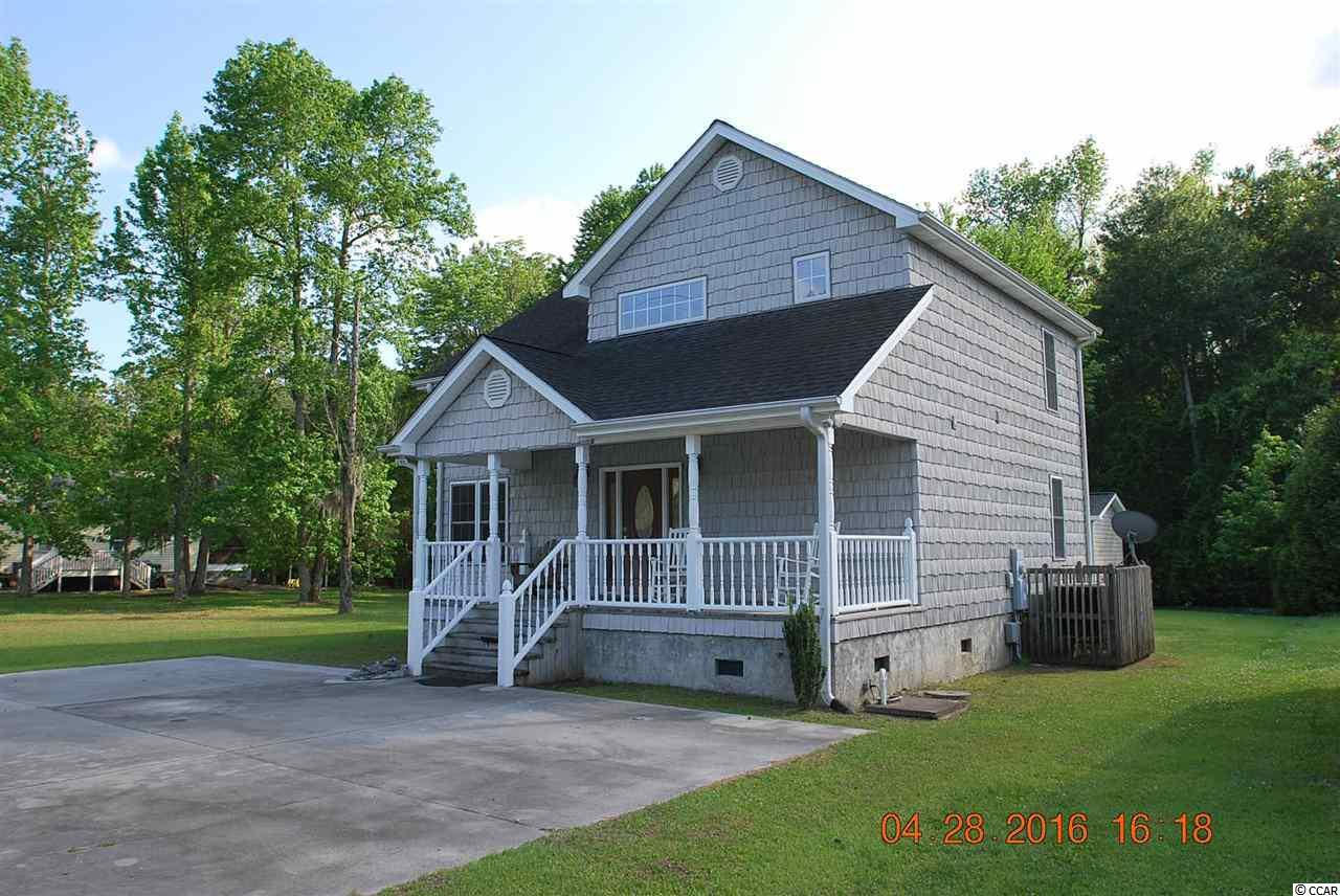 1068 Waccamaw Shores Road, Lake Waccamaw, NC 28450