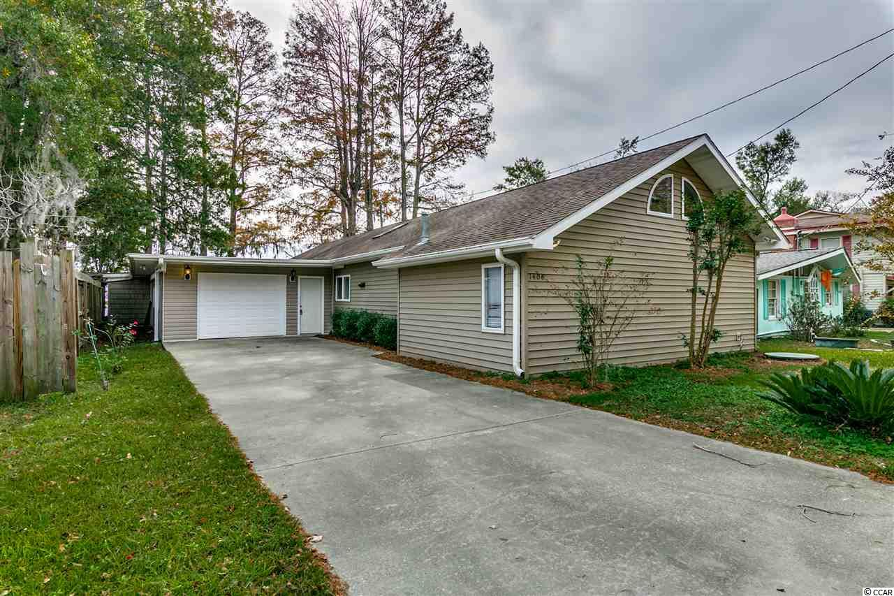 1408 Canal Cove Road, Lake Waccamaw, NC 28450