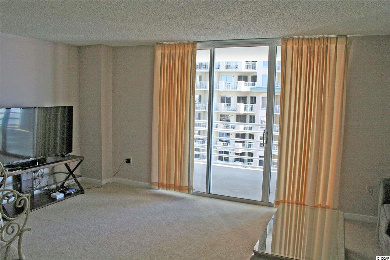 North Hampton condo at 9840 Queensway Blvd for sale. 1702224