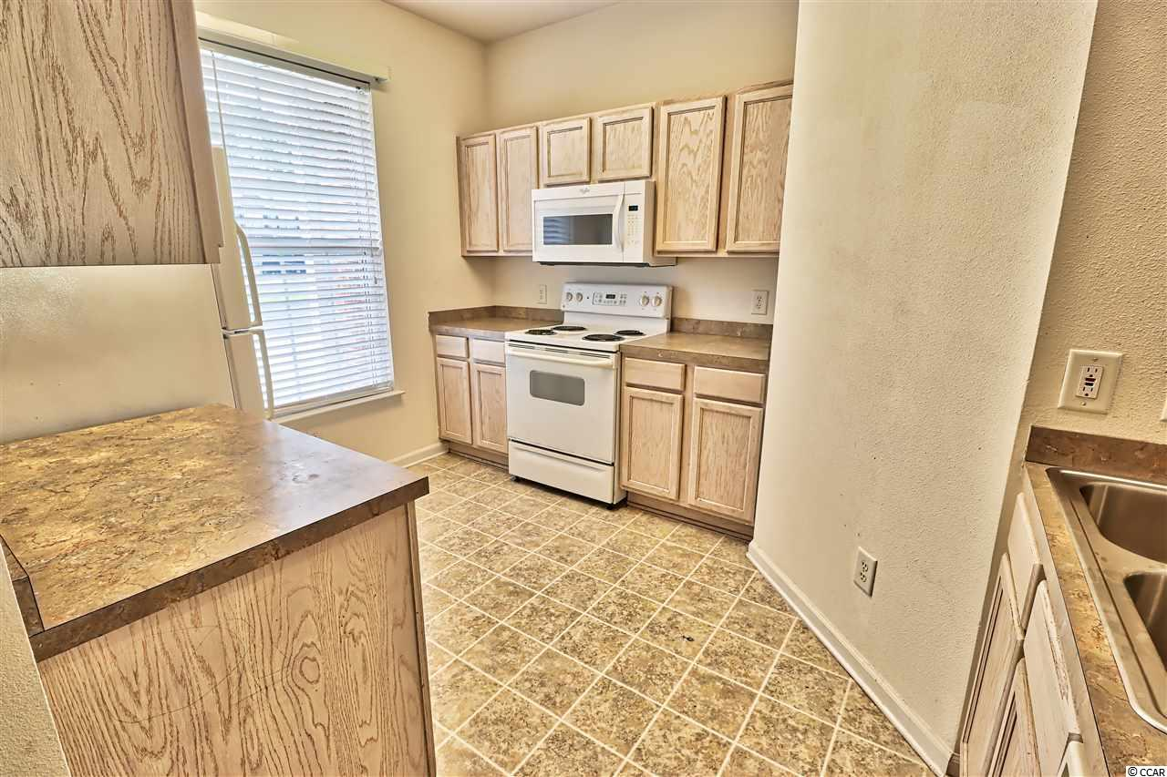 ST ANDREWS TOWNHOMES condo at 201 Connemara Dr for sale. 1707541