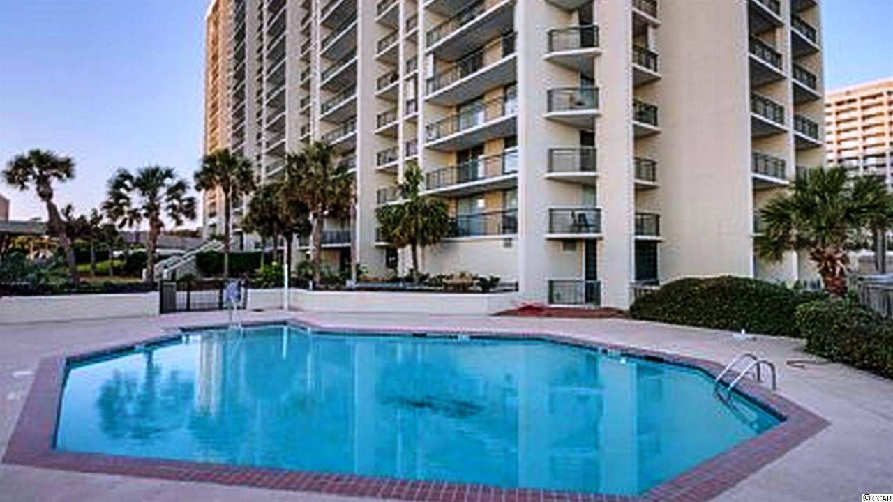 2 bedroom  SOUTH HAMPTON condo for sale