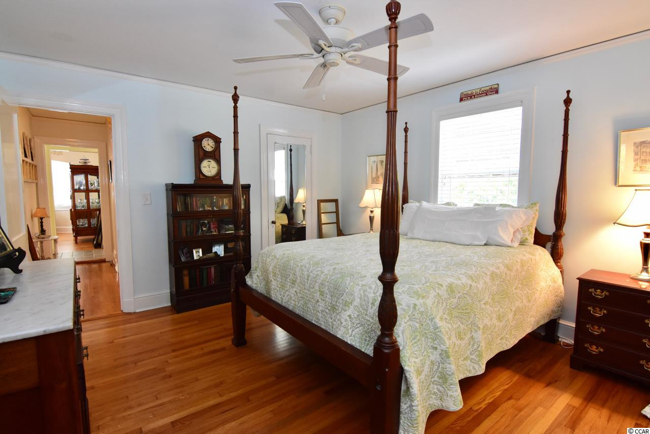 This 3 bedroom house at  Historic District of Georgetown is currently for sale