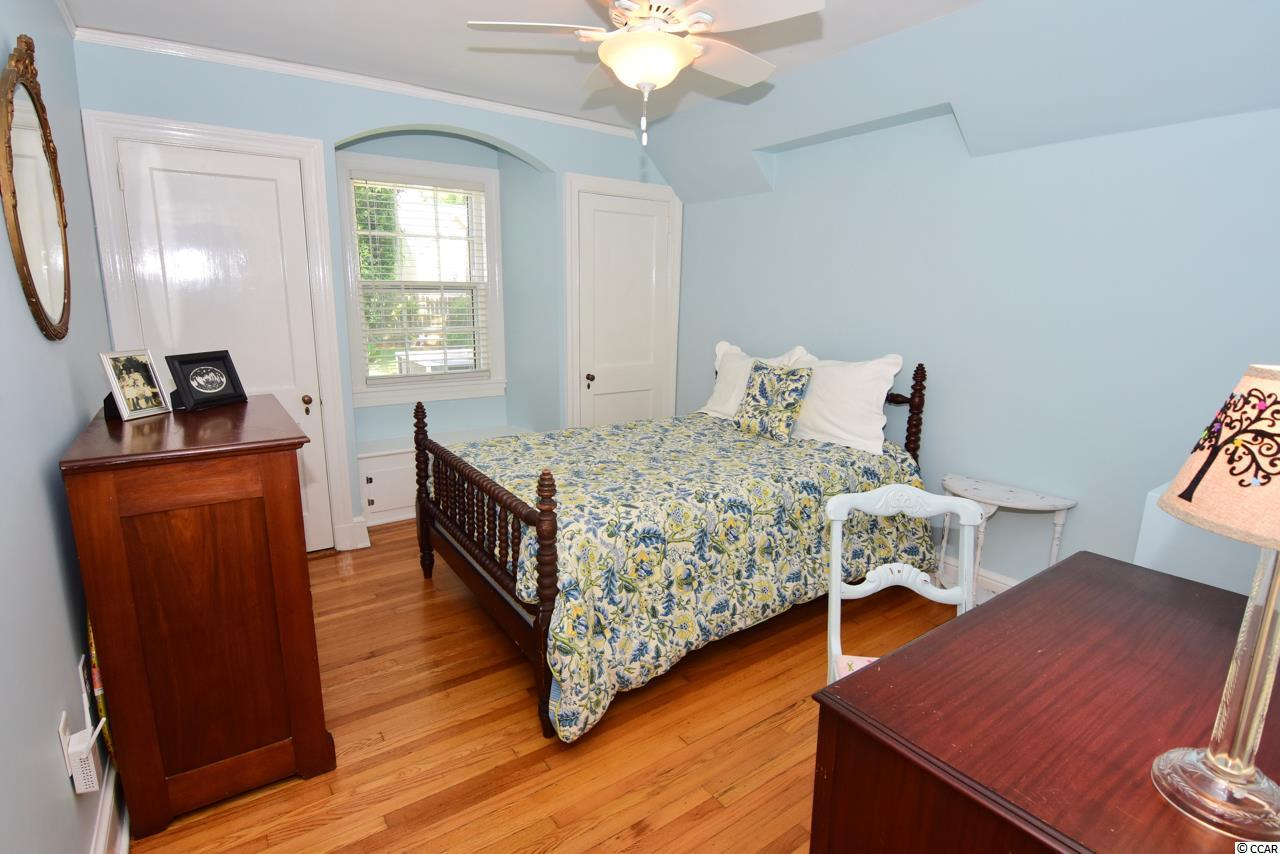 Don't miss this  3 bedroom Georgetown house for sale