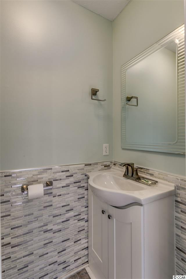 3 bedroom condo at 1530 N Waccamaw Drive, Unit 1