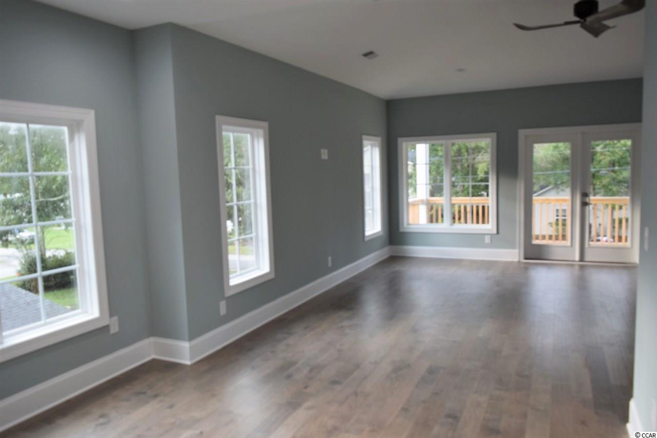 Check out this 3 bedroom house at  Lakewood Terrace