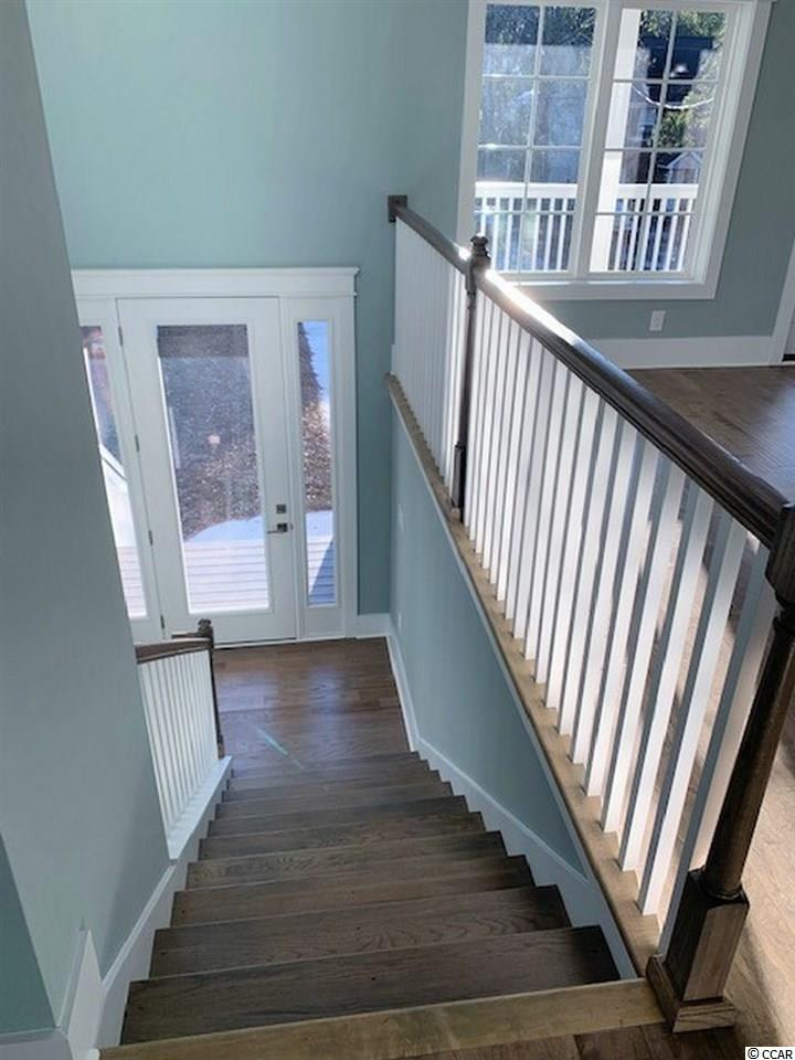 house at  Lakewood Terrace for $449,899