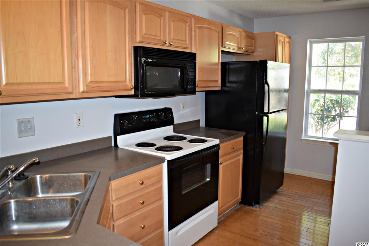 3 bedroom  PAWLEYS PLACE condo for sale
