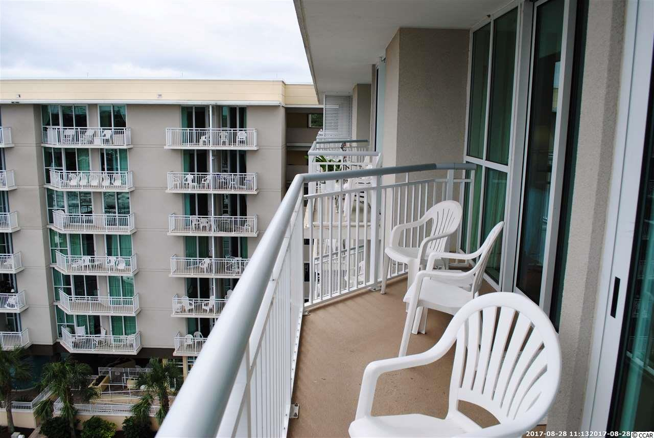 condo for sale at  Harbourgate for $149,900