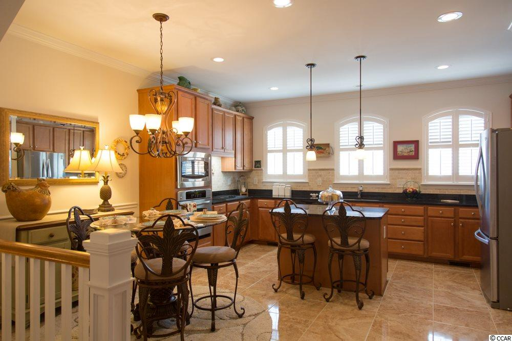 The Townhomes At Market Common condo at 861 Murray Avenue for sale. 1716740