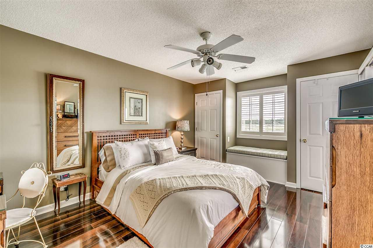 condo at  Spinnaker Cove for $159,000