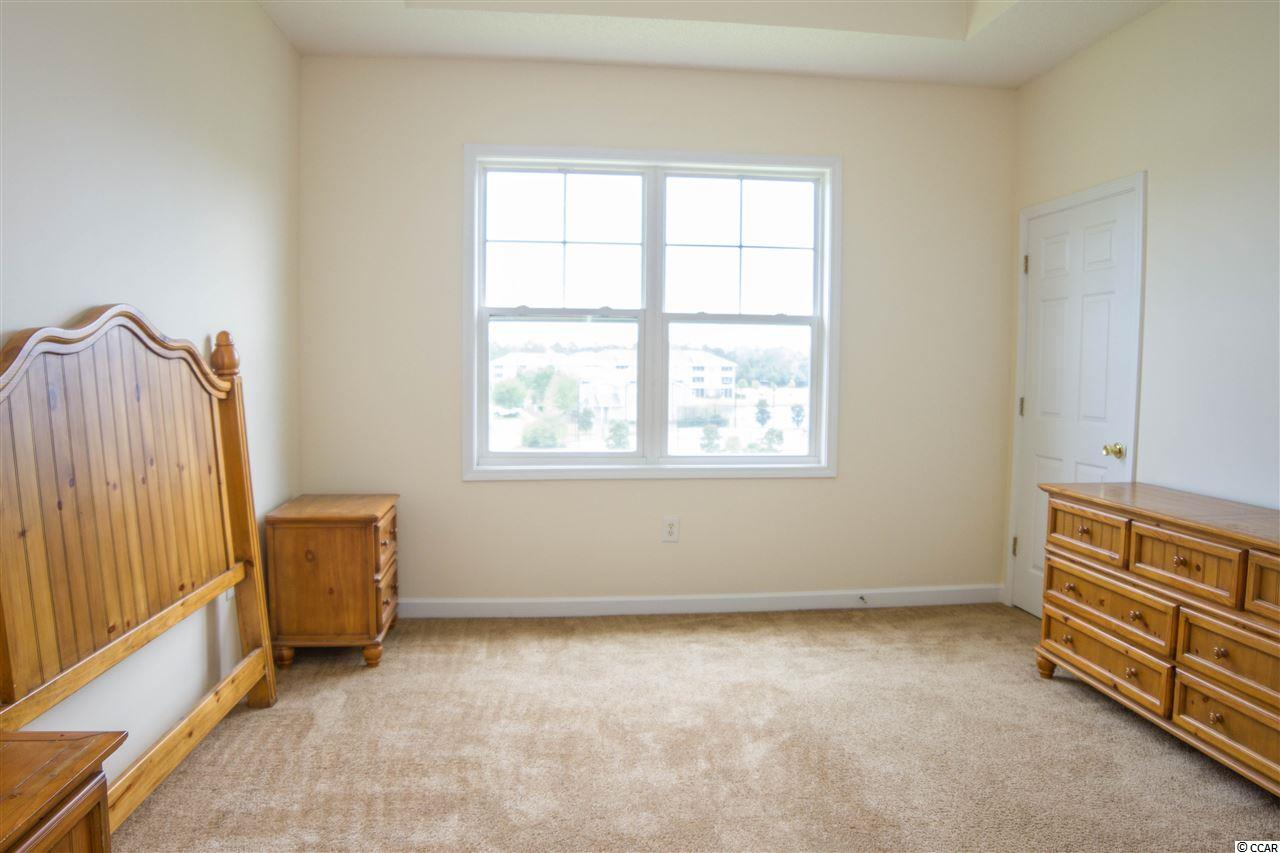 Kiskadee Parke condo at 304 Kiskadee Loop for sale. 1718294