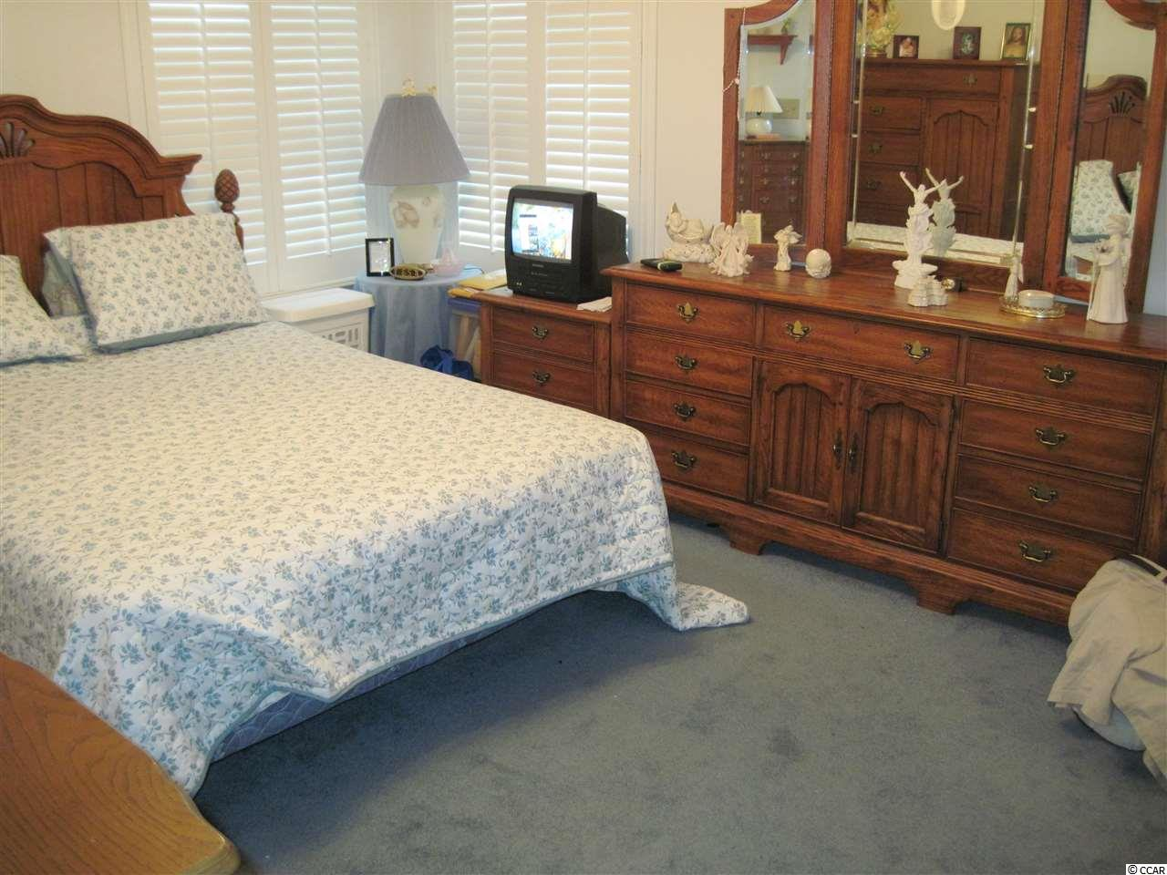 2 bedroom  SOUTH BAY LAKES condo for sale
