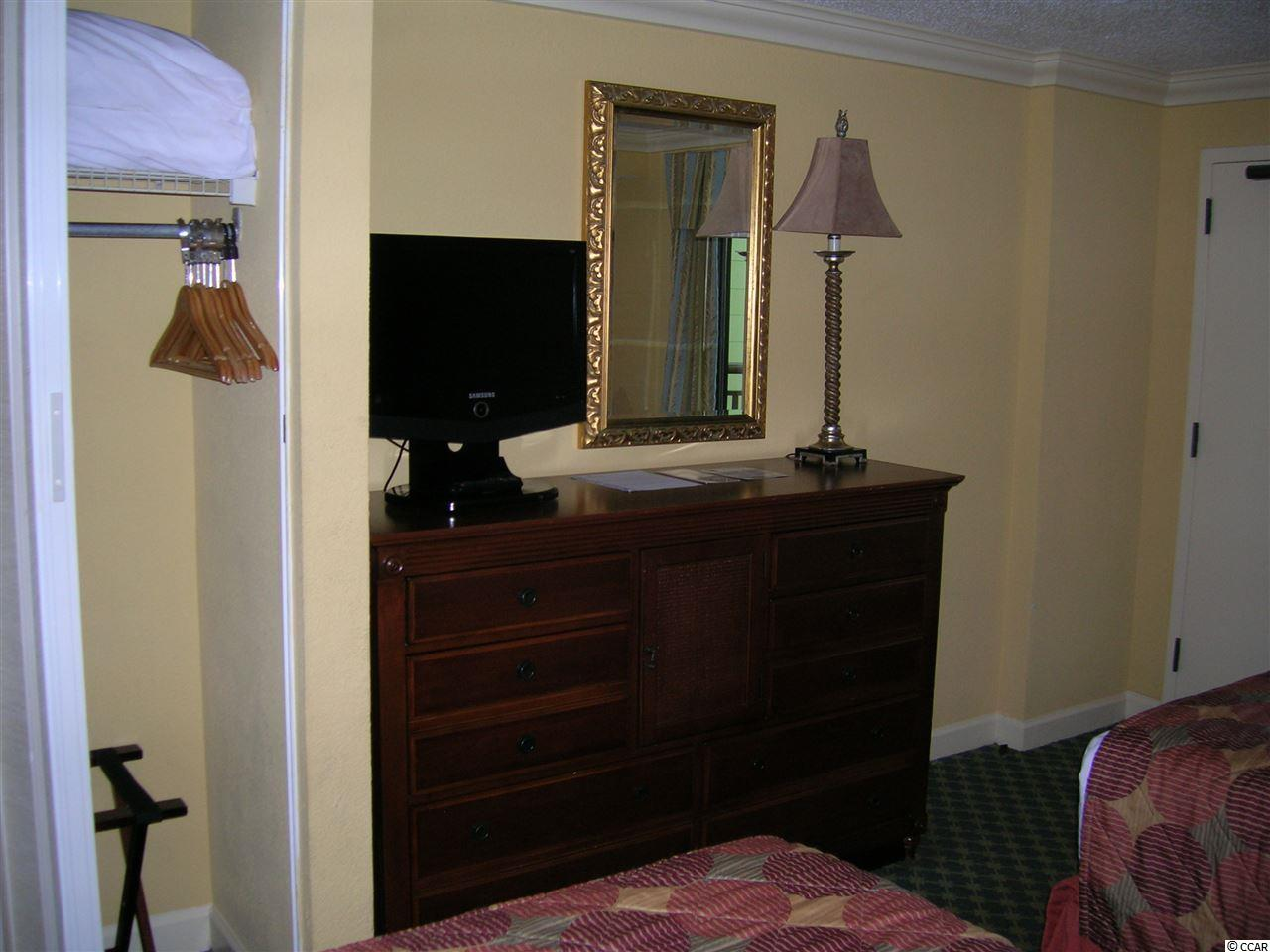 1 bedroom  HOLIDAY INN PAVILION condo for sale