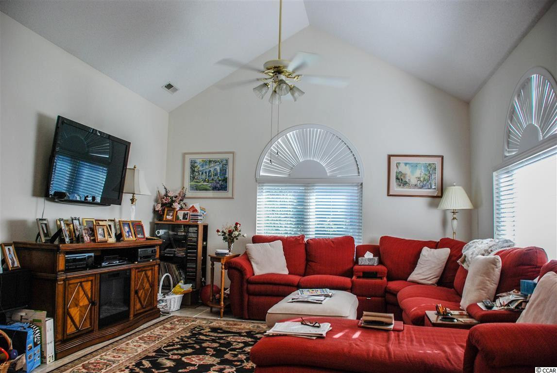 Canterbury Court condo at 816 Castleford Circle for sale. 1720209