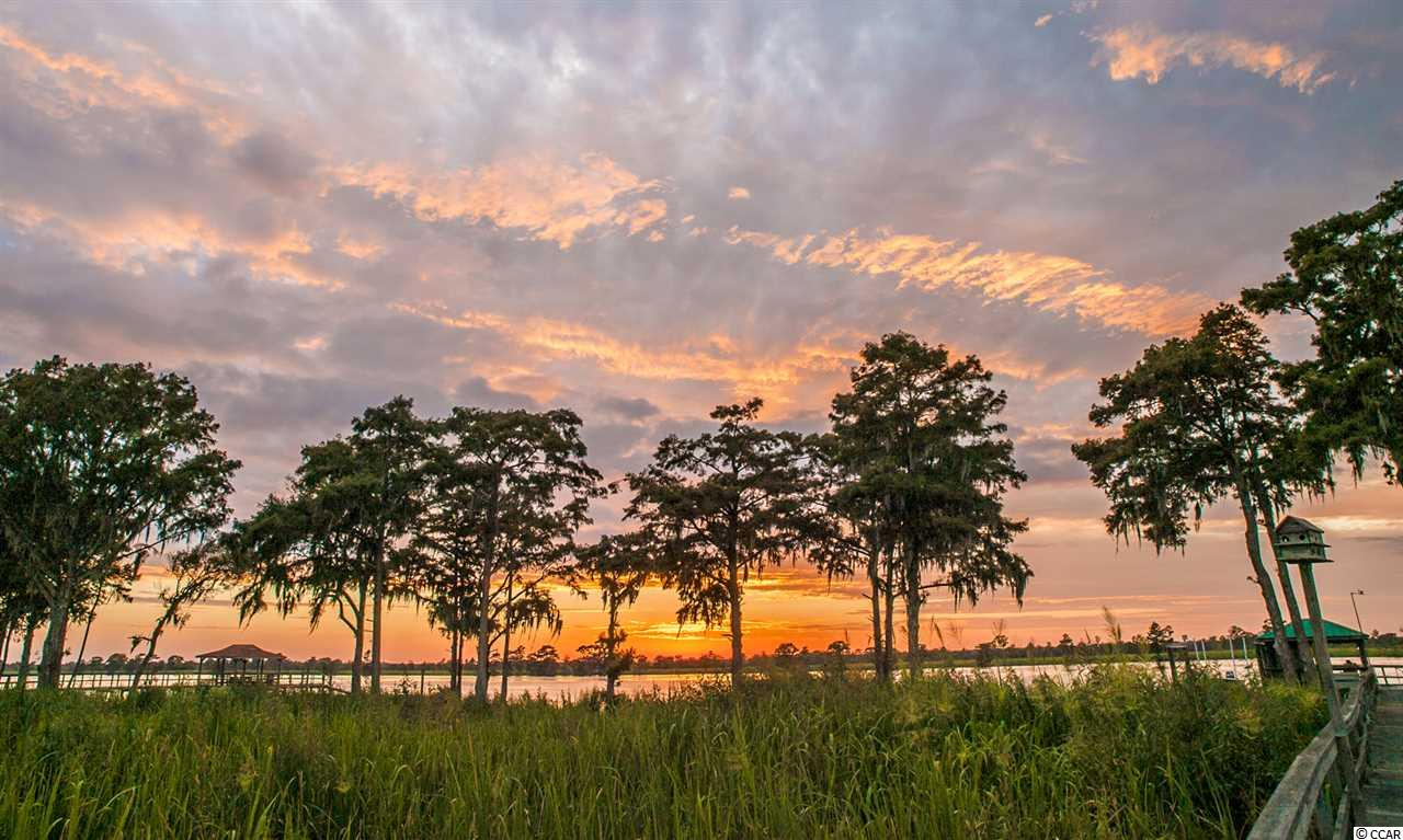 Additional photo for property listing at 32 Seagrass Court 32 Seagrass Court Pawleys Island, South Carolina 29585 United States