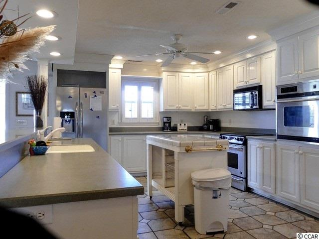 Additional photo for property listing at 1644 S Waccamaw Drive 1644 S Waccamaw Drive Garden City Beach, South Carolina 29576 United States