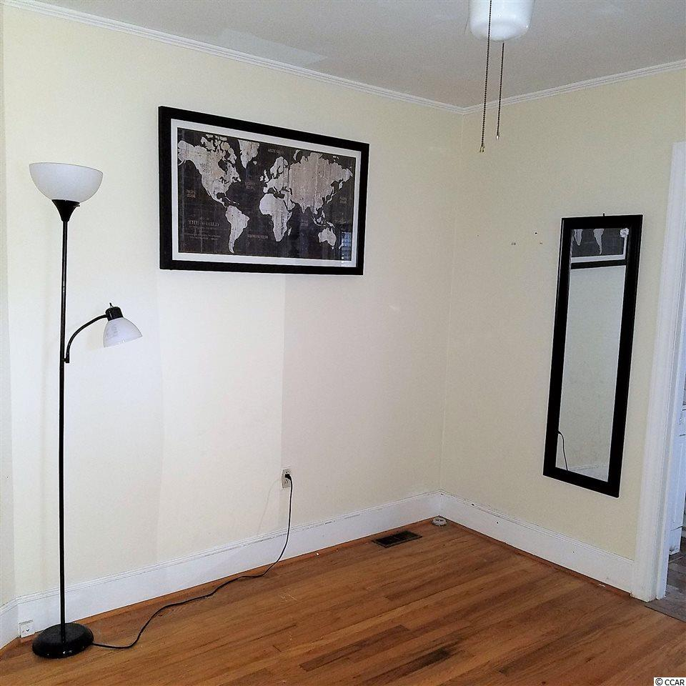 Don't miss this  2 bedroom Georgetown house for sale