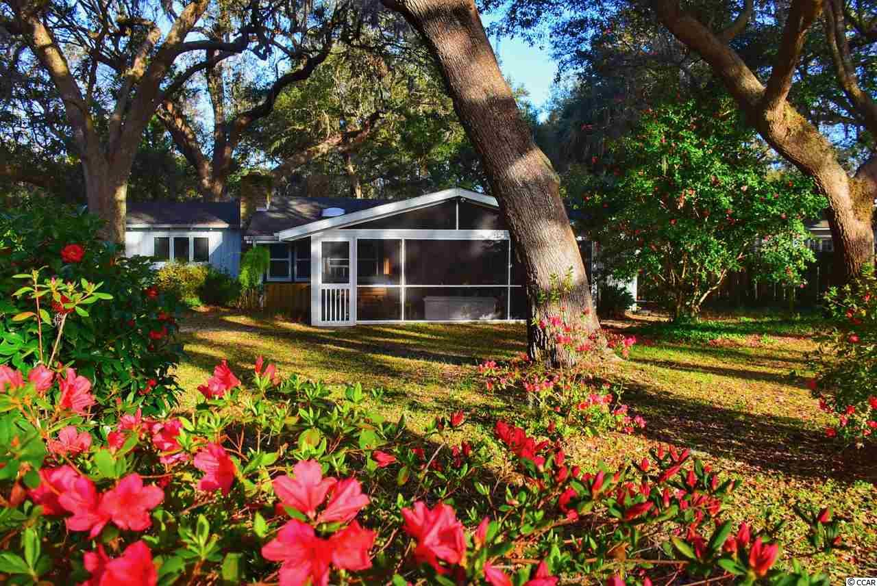 Pawleys Island Woods house at 190 Live Oak Ln. for sale. 1812018