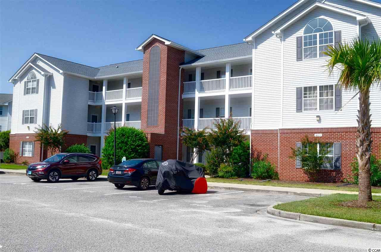 Lake/Pond View,End Unit Condo in Bay Meadows : Myrtle Beach South Carolina