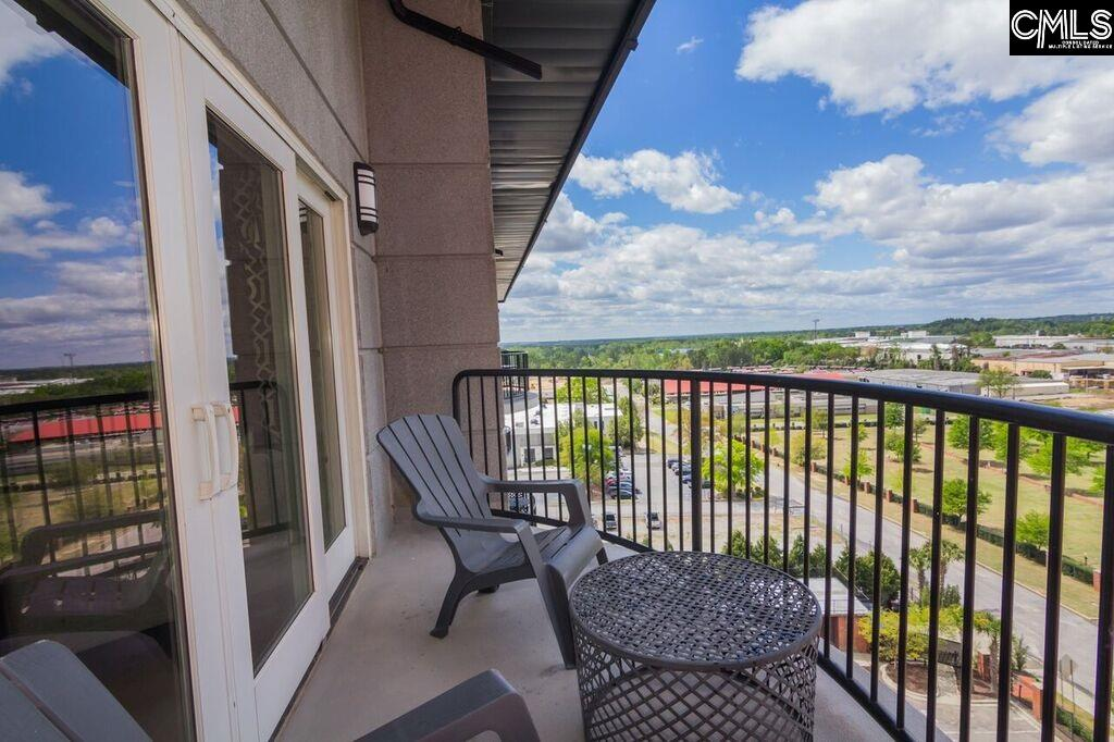 Amazing Game Day Unit! This 2 bedroom 1 bath condo has all granite countertops, stainless steel appliances and two parking spaces!