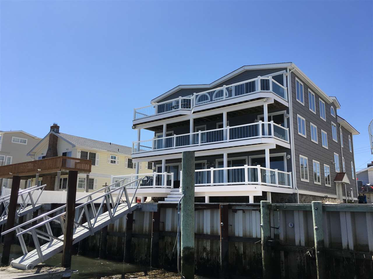 663 W Sunrise Dr, Avalon, NJ 08202