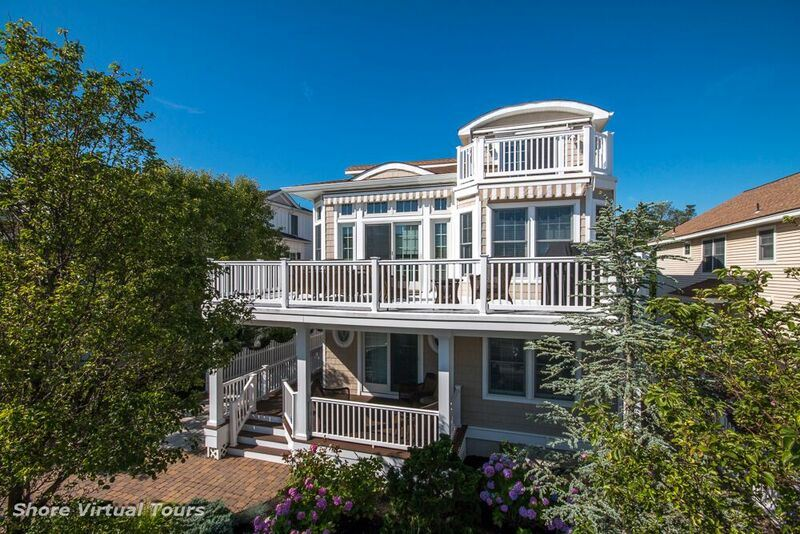 62 32nd Street, Avalon