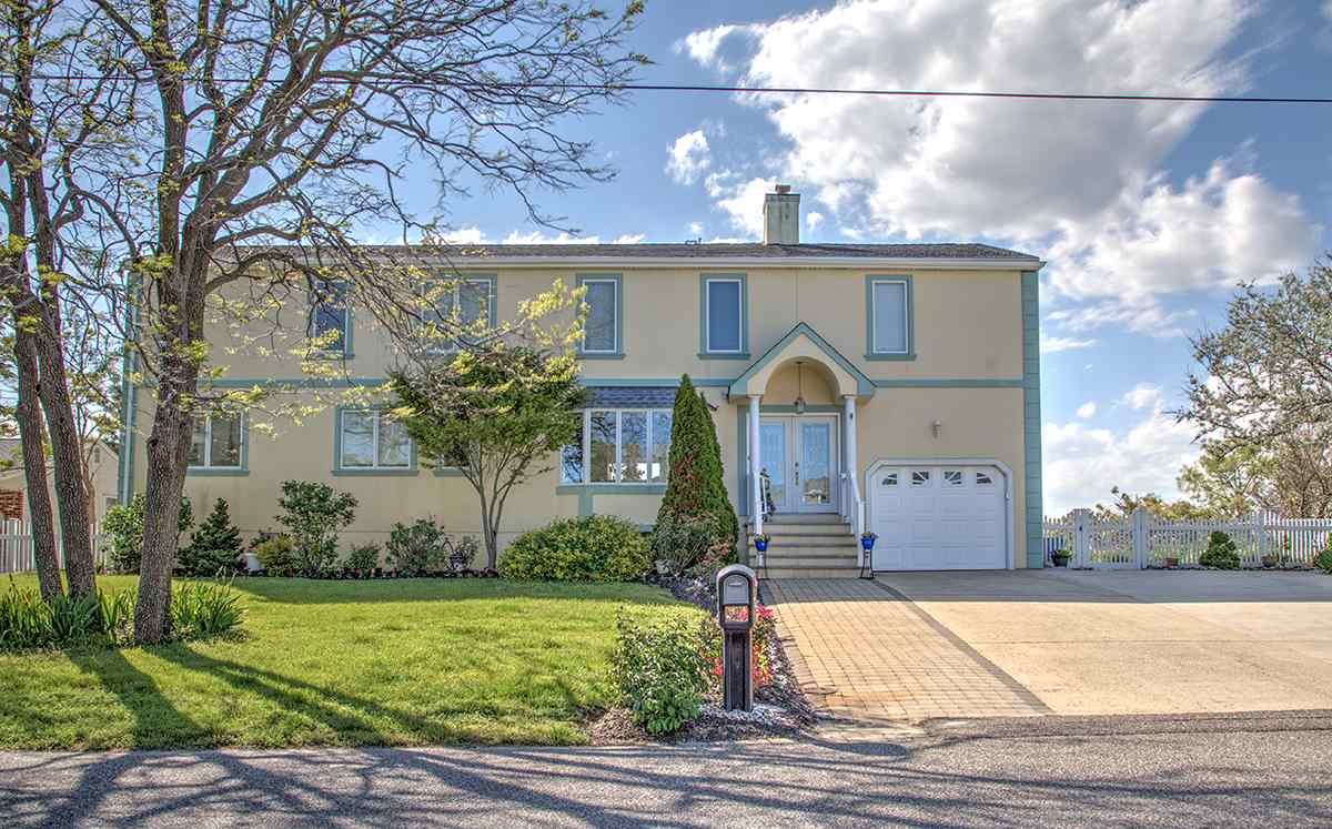 601 Delaware, Villas