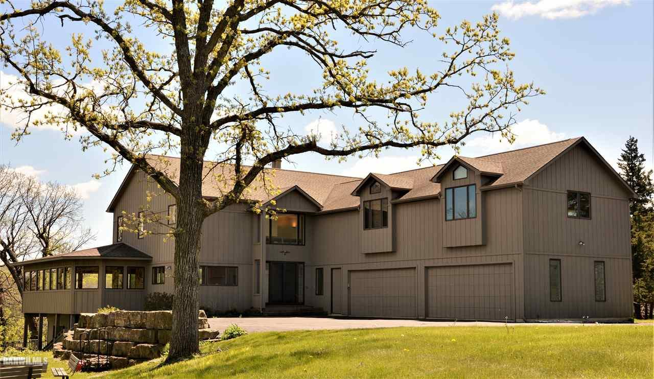 4 Lakeview Court, Galena, IL 61036